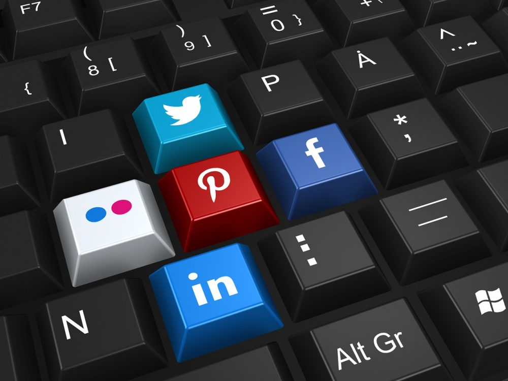 social-networking-keys